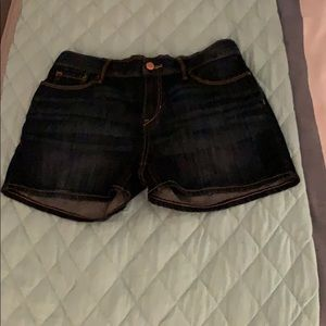 Children's size 16 old navy dark wash shorts.